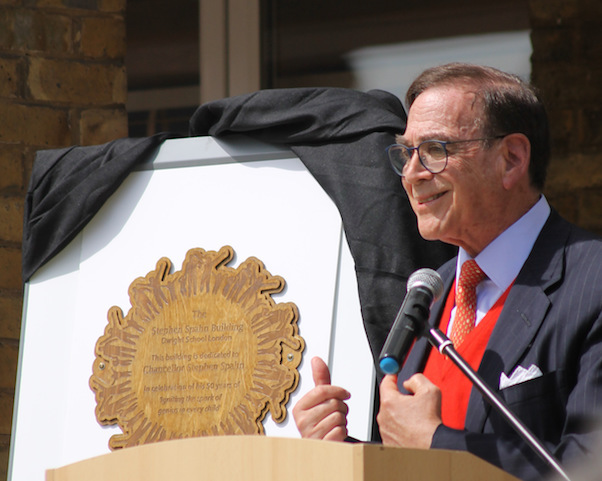 Dwight School London Dedicates Building in Chancellor Spahn's Honor